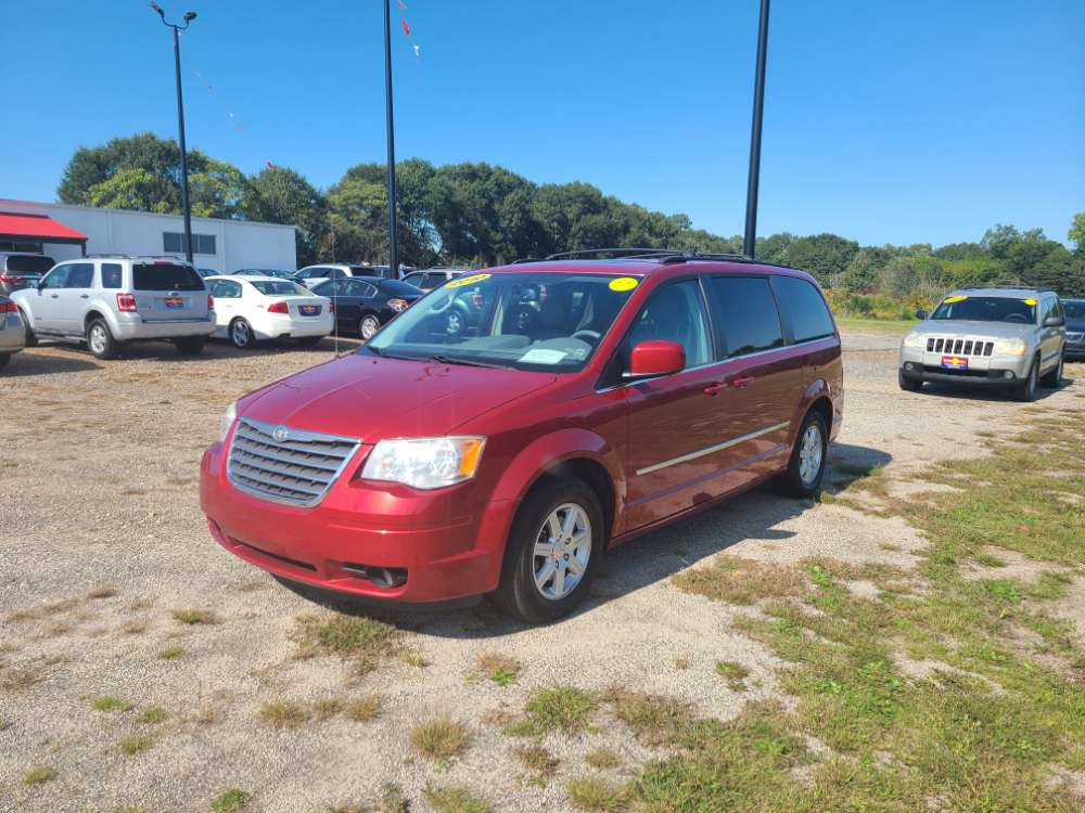 Chrysler Town & Country 2010 Red