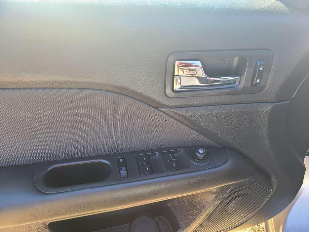 Ford Fusion 2010 Silver