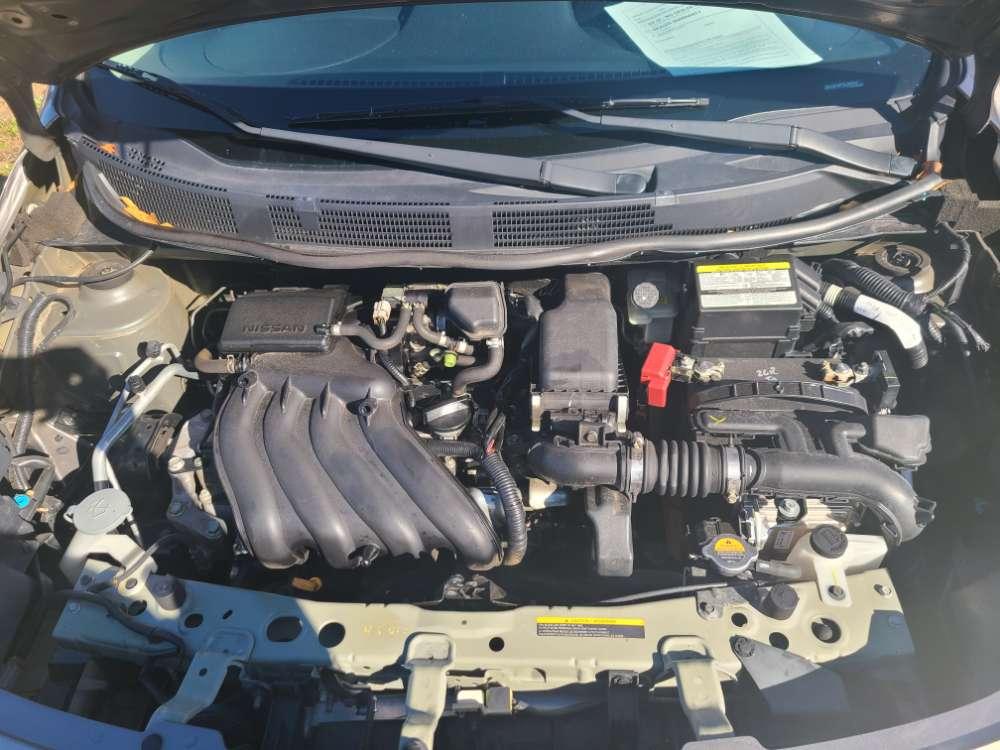 Nissan Versa 2014 Gray
