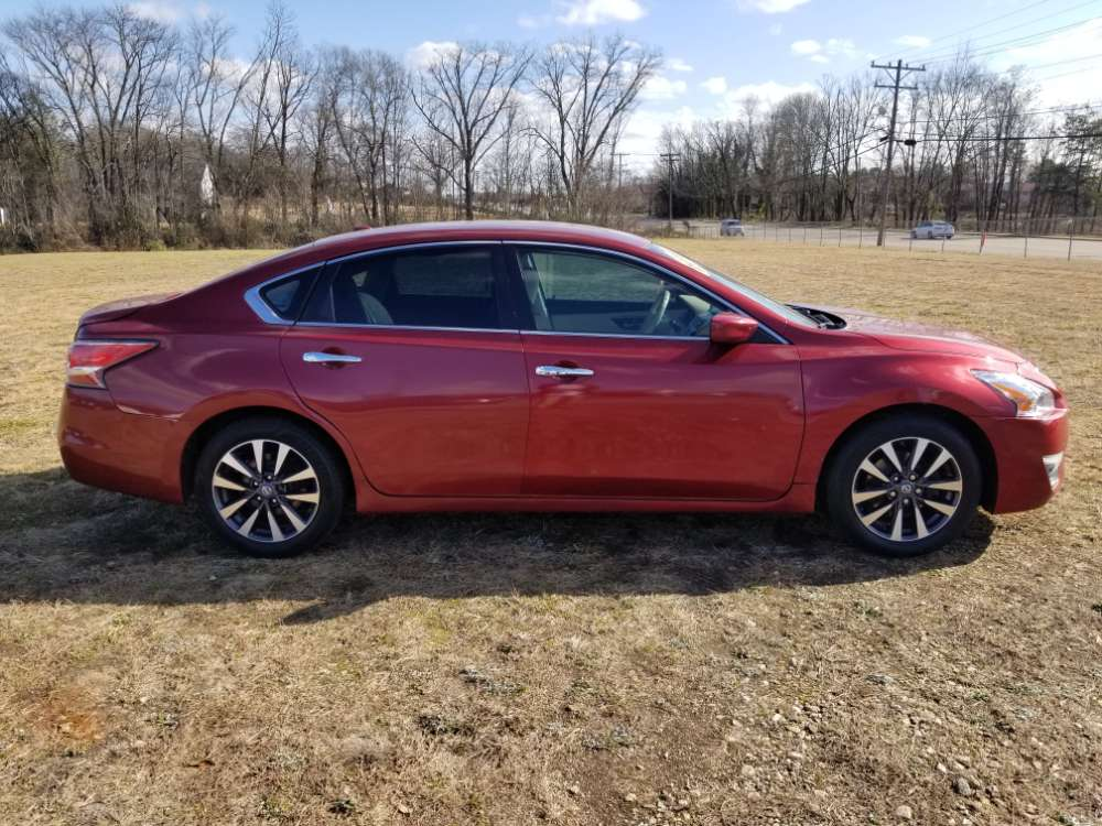 Nissan Altima 2014 Red