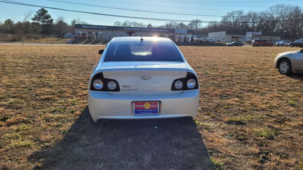 Chevrolet Malibu 2010 White
