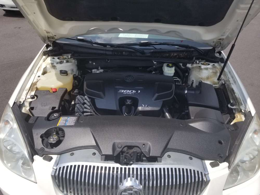 Buick Lucerne 2007 White
