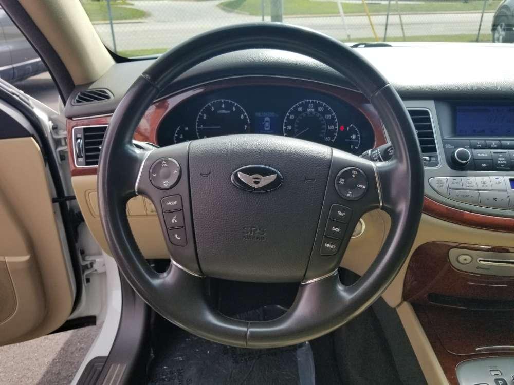 Hyundai Genesis 2012 White